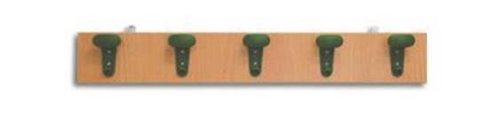 Appendiabiti a muro a 5 posti con grucce in plastica su tavola in legno